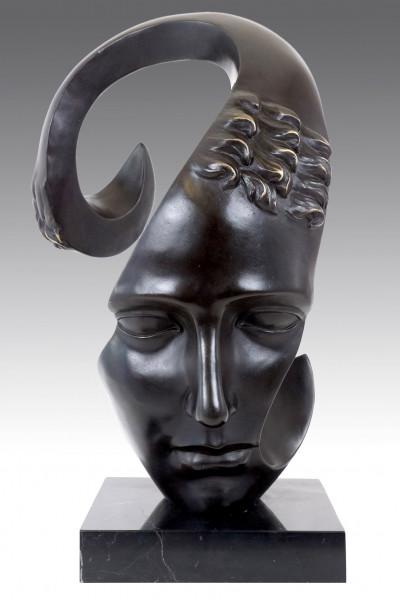 Moderne Bronzeskulptur - Die Trauer - signiert M. Klein