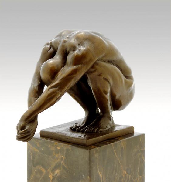 Abstrakte Bronzeskulptur - Kopfsprung - signiert Milo