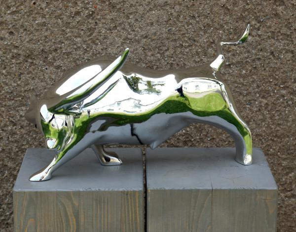 Chrom-Stier - Skulptur - Bull Fight - von Martin Klein