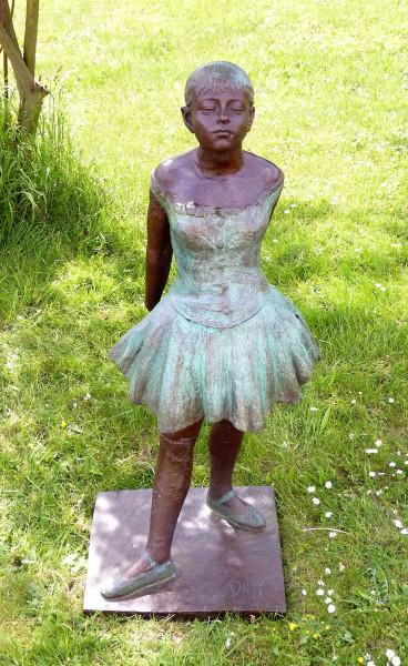 Großskulptur- 14jährige Tänzerin- Skulptur, signiert Degas