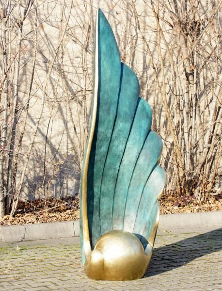 The Wing - Große Bronzestatue von Martin Klein - limitierte Gartenskulptur