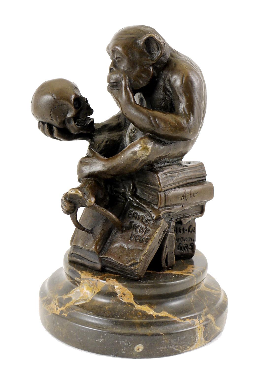 Bronzefigur Affe mit Schädel Milo Wolfgang Hugo Rheinhold