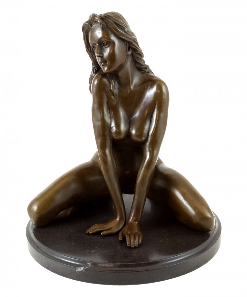 Erotik-Figur - Sexy Girl / Frauenakt - sign. - J. Patoue