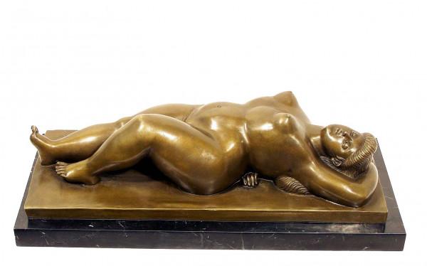 Modern Art Bronze - XXL Lady in Rückenlage Botero signiert