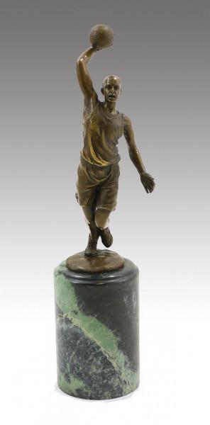 Attraktiver Bronze-Pokal - Der Basketballspieler - signiert Milo