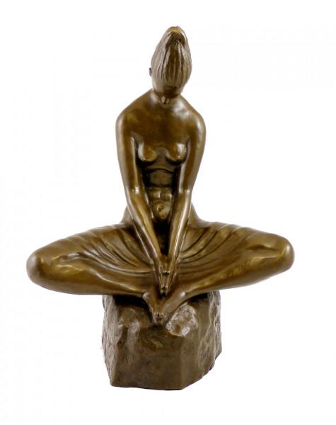 Moderne Kunst Bronze - Vestal Virgin - signiert Ivan Mestrovic