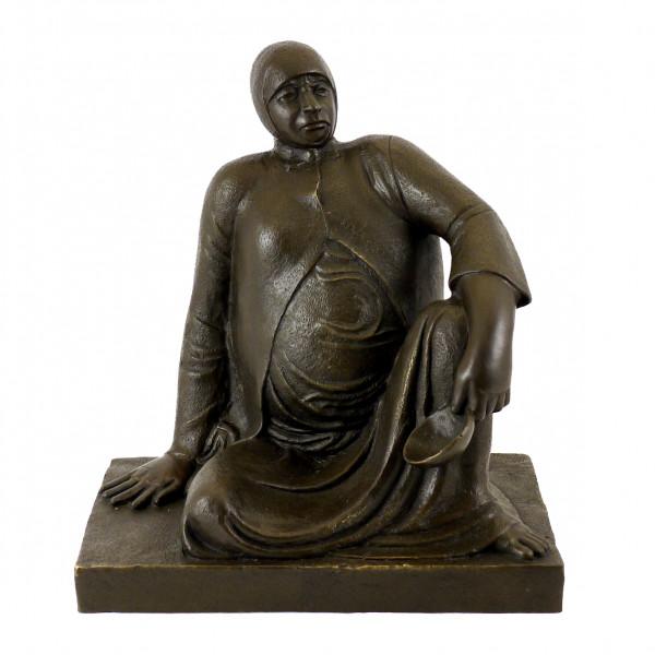 Bronzefigur - Russische Bettlerin mit Schale (1906) - E. Barlach