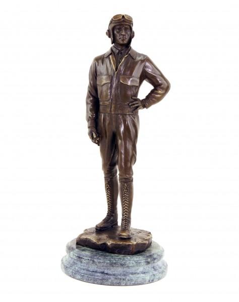 Pilot - Fliegerstatue aus dem 1.Weltkrieg - signierte Bronzefigur - Militaria