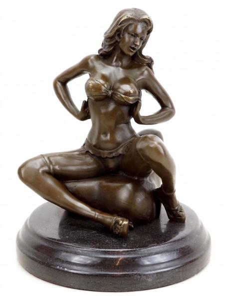 Erotik Akt - Sexy Carmen in Strapsen - Sexy Figur - Patoue