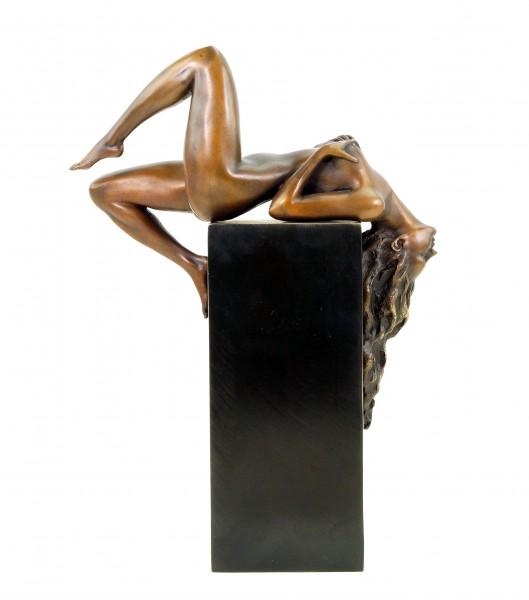Erotika Bronzefigur - Liegender Frauenakt - limitiert - signiert Martin Klein
