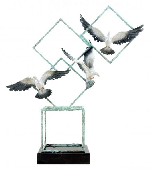 Ways of Liberty von Martin Klein - Tierskulptur - Tauben - limitierte Bronzefigur