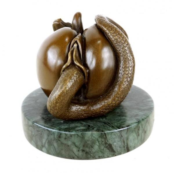 Die verbotene Frucht - Vagina Apfel Figur aus Bronze - signiert Milo