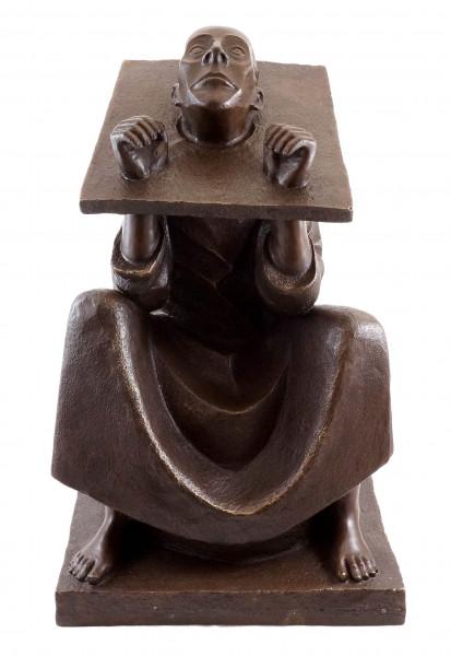 Der Mann im Stock - 1918 - Ernst Barlach - Bronzefigur signiert