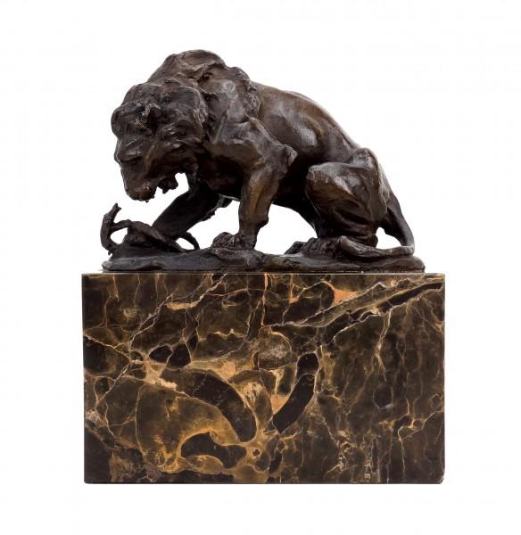 Bronzeskulptur - Löwe mit Schlange (1838) - signiert Barye