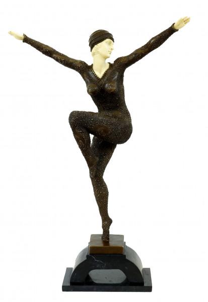 Große Art Deco Skulptur - Tänzerin auf Marmorsockel - Chiparus