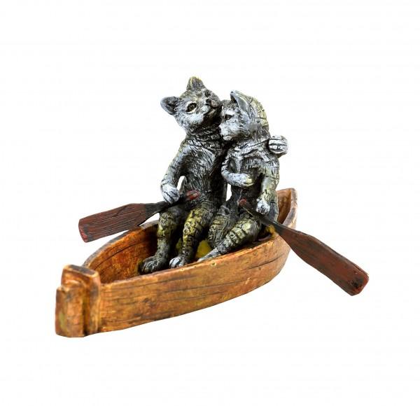 Wiener Bronzefigur - Katzen Liebespaar bei Bootsfahrt - handbemalt