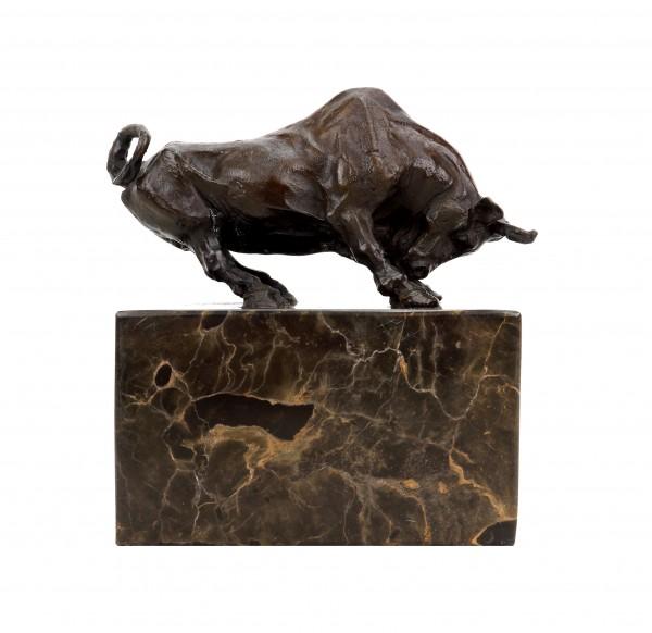 Stierfigur aus Bronze - signiert Barye - Tierskulptur