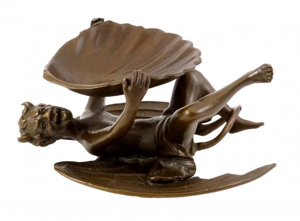 Teufel mit Muschelschale, Wiener Bronze, mit Bergmann-Stempel