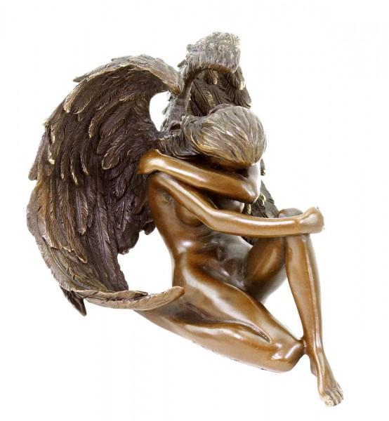 Sitzender Engel - Erotik Akt aus Bronze - signiert Patoue