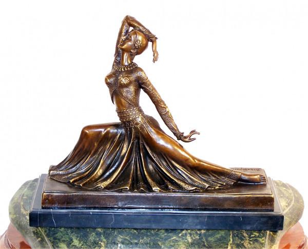 Art Deco Bronze Tänzerin signiert Chiparus auf Marmorsockel