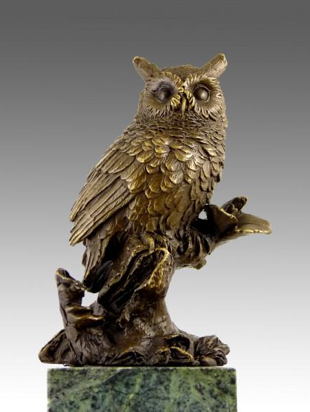 Elegante Bronzefigur - Eule auf Ast sitzend - signiert Milo