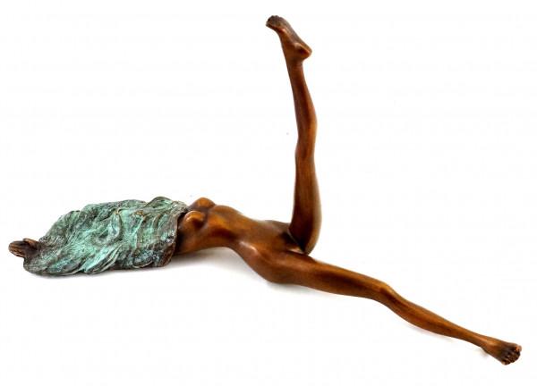 Camouflage / Verhüllter Frauenakt - Erotische Bronze - J. Patoue