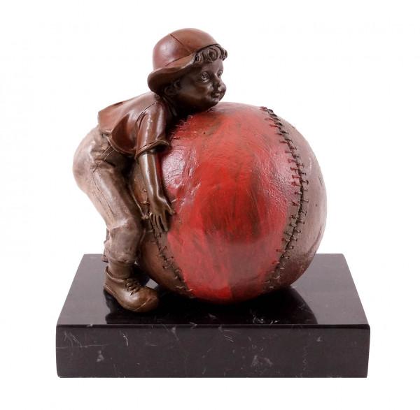 Bronzestatuette - Junge mit Baseball - sign. Martin Klein
