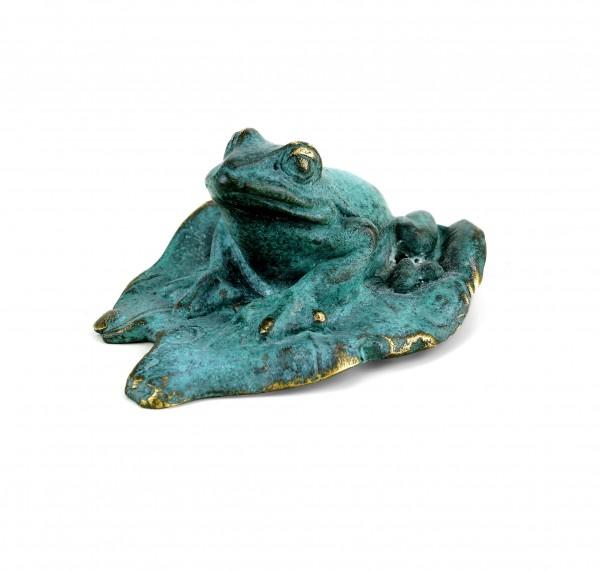 Froschfigur aus Bronze - grüne Patina - Bronzeminiatur - signiert Milo