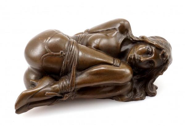 Erotik Bronzefigur gefesselte Frau signiert Milo - Bondage Girl