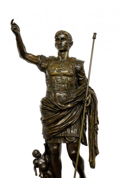 Römische Bronzefigur - Kaiser Augustus - signiert Augustus