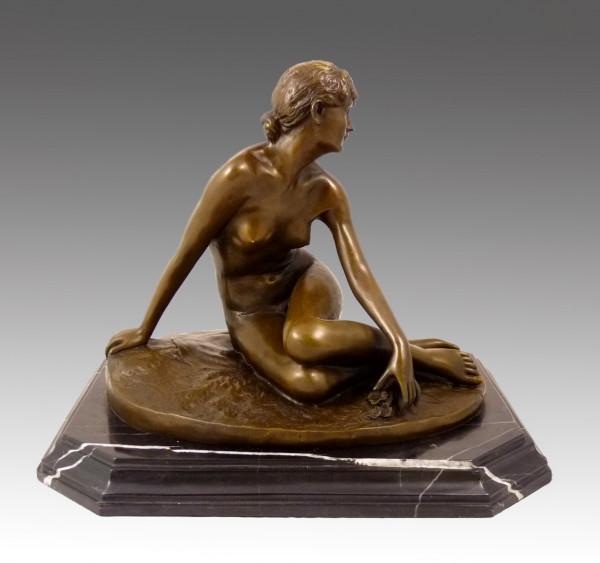 Jugendstil Bronze Akt - Sitzende Frau - signiert Peter Breuer