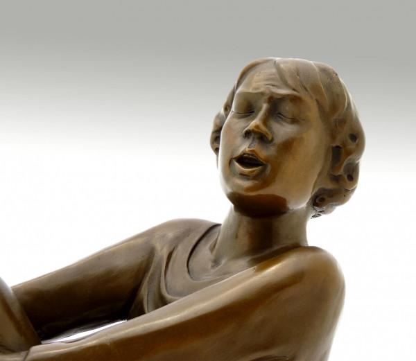 Moderne Bronze - Der singende Mann - von Ernst Barlach, 1928
