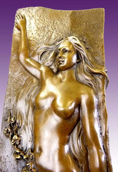 Erotische Bronze - Vase mit weiblichem Akt - nach G. Flamand